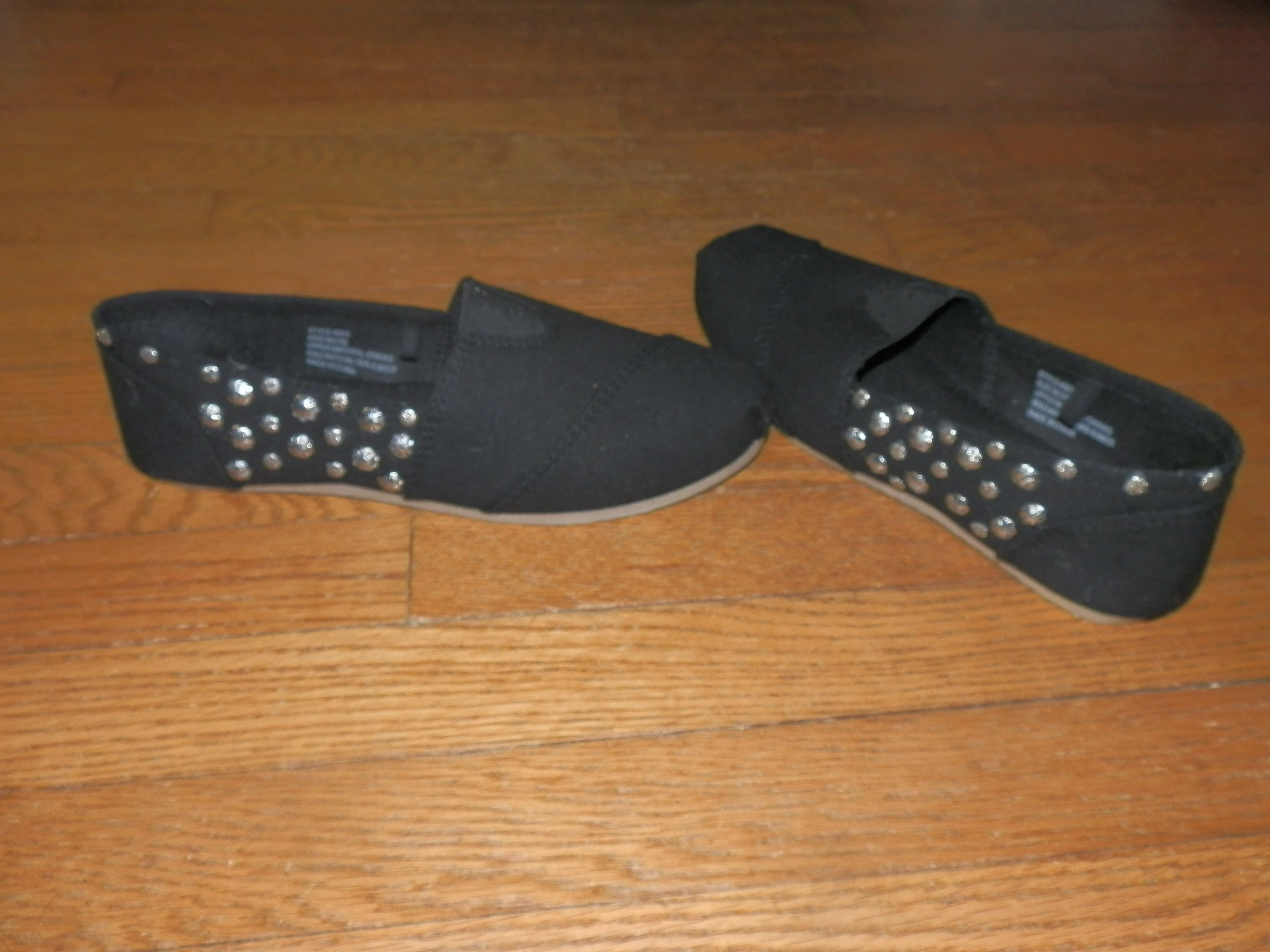DIY Studded Shoes www.fromwinetowhine.com